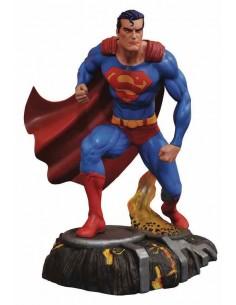 SUPERMAN DIORAMA DIAMOND...